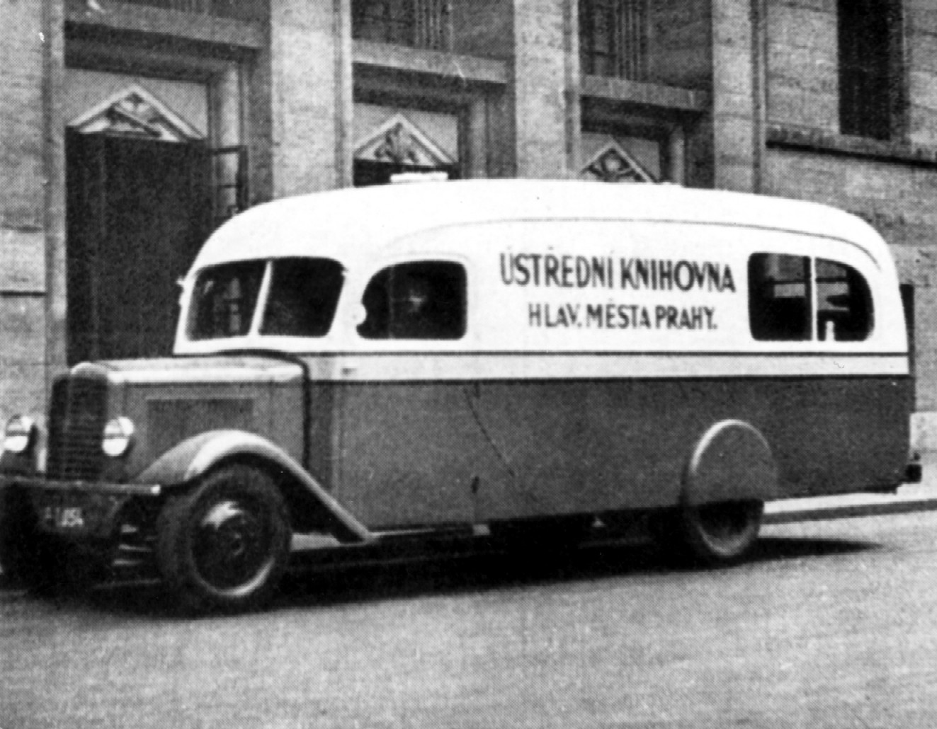 Nejstar prask bibliobus Praga z roku 1939