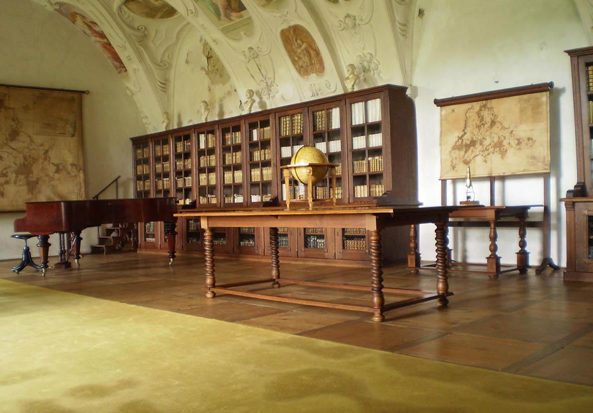 Zámecká knihovna (autor František Rezek)