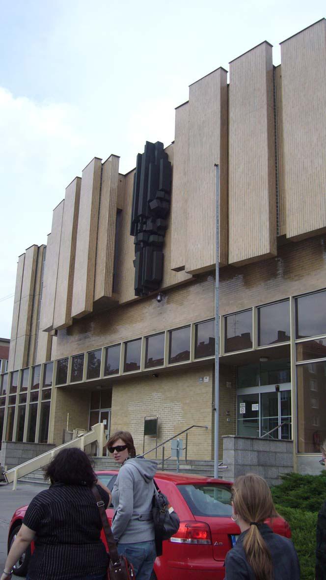 Budova Fakulty informatiky Masarykovy univerzity, v níž se konala prezentace činnosti střediska Teiresiás (autor Tereza Heinová)