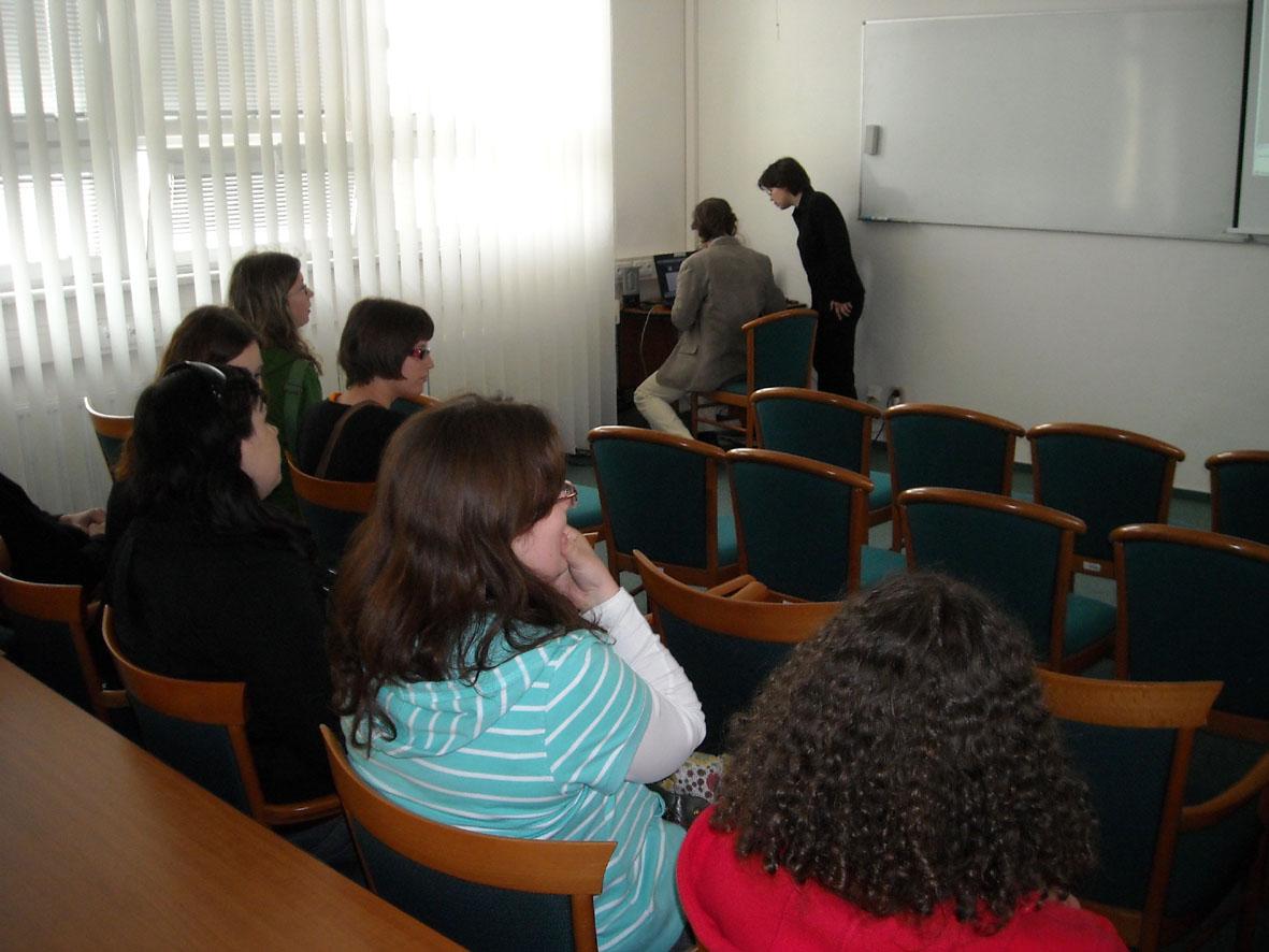Před přednáškou o činnosti střediska Teiresiás (autor Tereza Heinová)