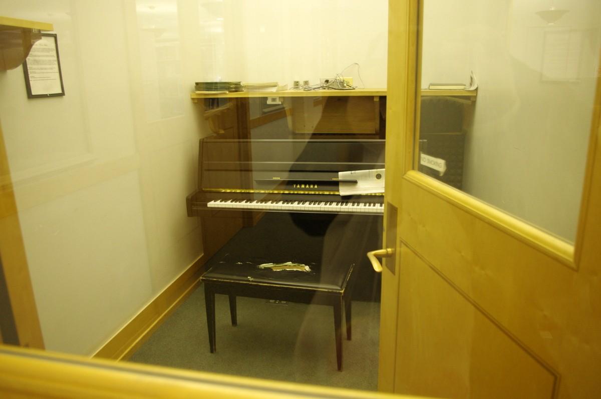 Studovna s klavírem