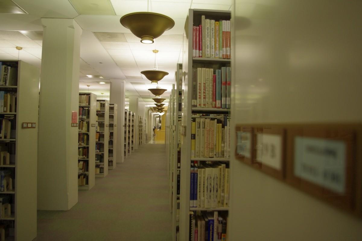 Návody, příručky, zákony, patenty.. knih co hrdlo ráčí