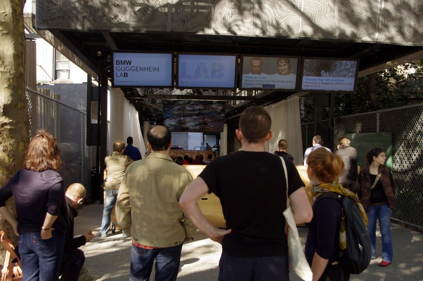Na pomezí newyorských čtvrtí Lower East Side a East Village laboratoř navštívilo od podzimu minulého roku během deseti týdnů  přes padesát tisíc lidí