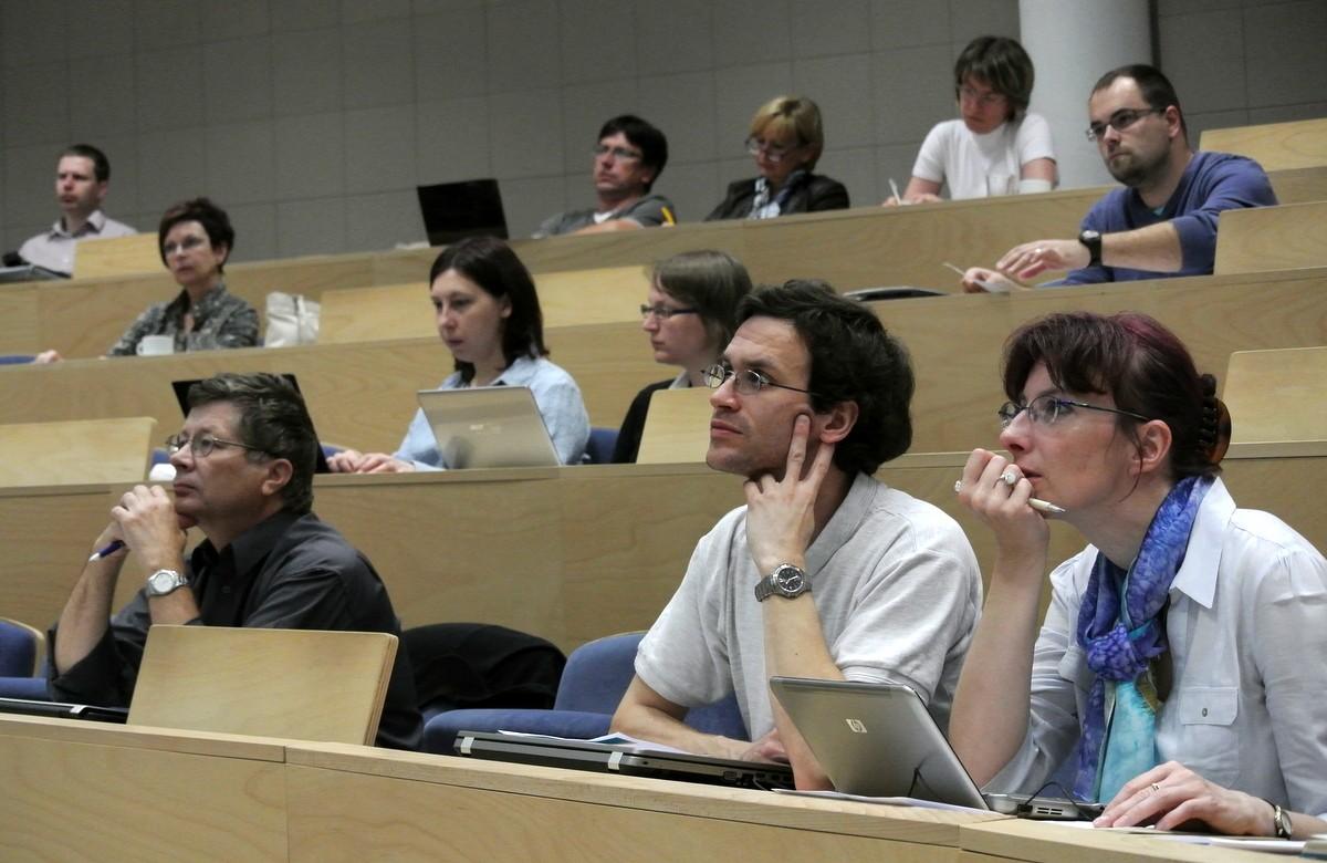 Pozornost odborné veřejnosti byla tematikou politiky otevřeného přístupu a zkušenostmi kolegů zvysokých škol udržena po celou dobu konání semináře