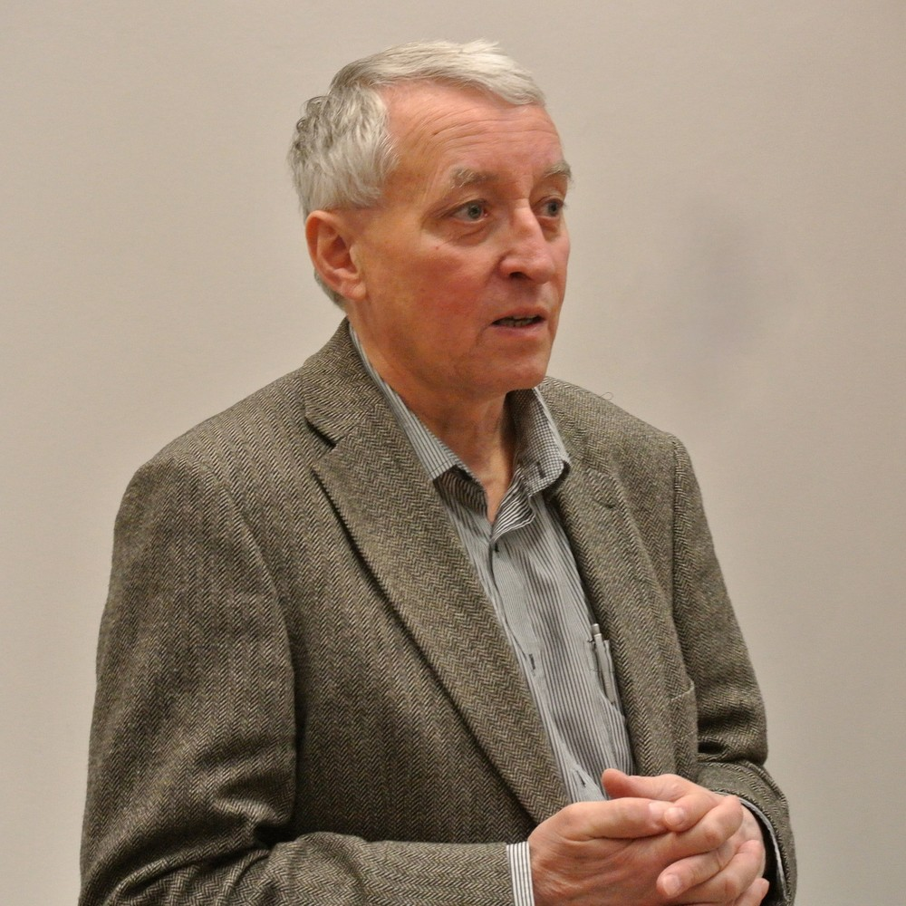 Dr. Jiří Rákosník připomenul specifika matematické literatury. Ta vlastně zůstává stále aktuální, a proto je dle jím uvedené citační analýzy čtvrtina zdrojů ztohoto oboru starých přes dvacet let