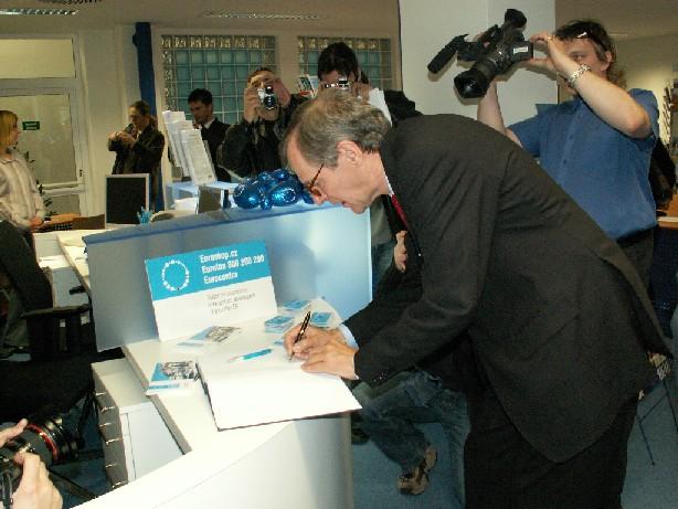 Hostem slavnostního otevření byl i německý velvyslanec Helmut Elfenkaemper
