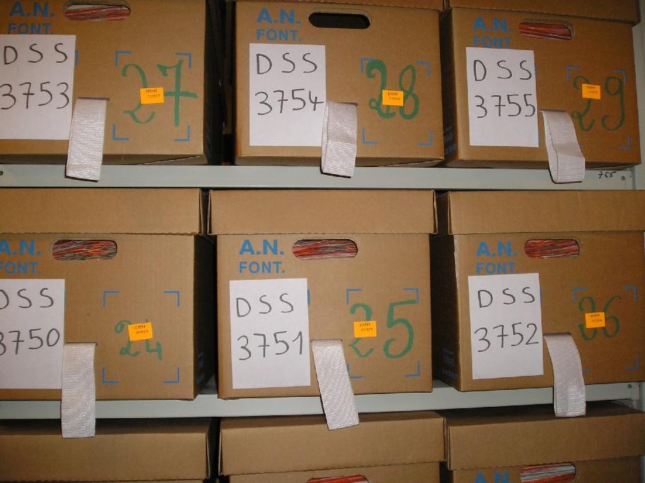 Obr. 4 Archivní krabice v CAC ve Fontainebleau