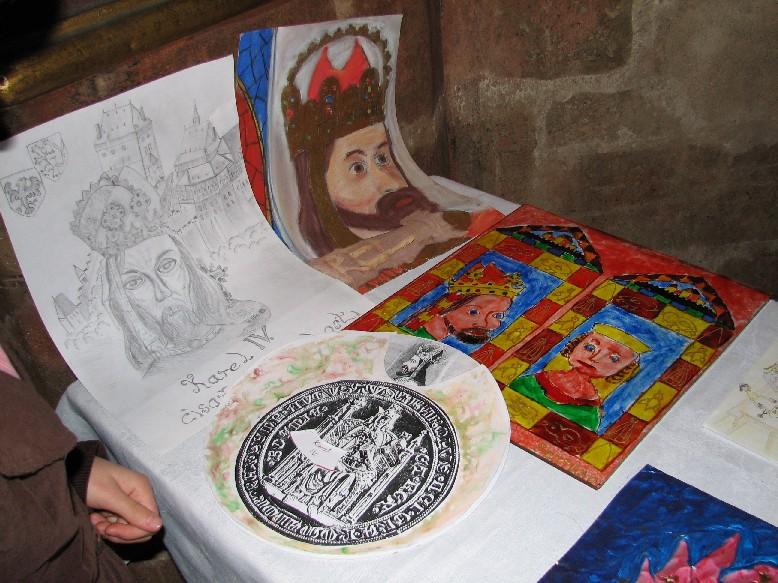Pohled na část vítězných výtvarných děl