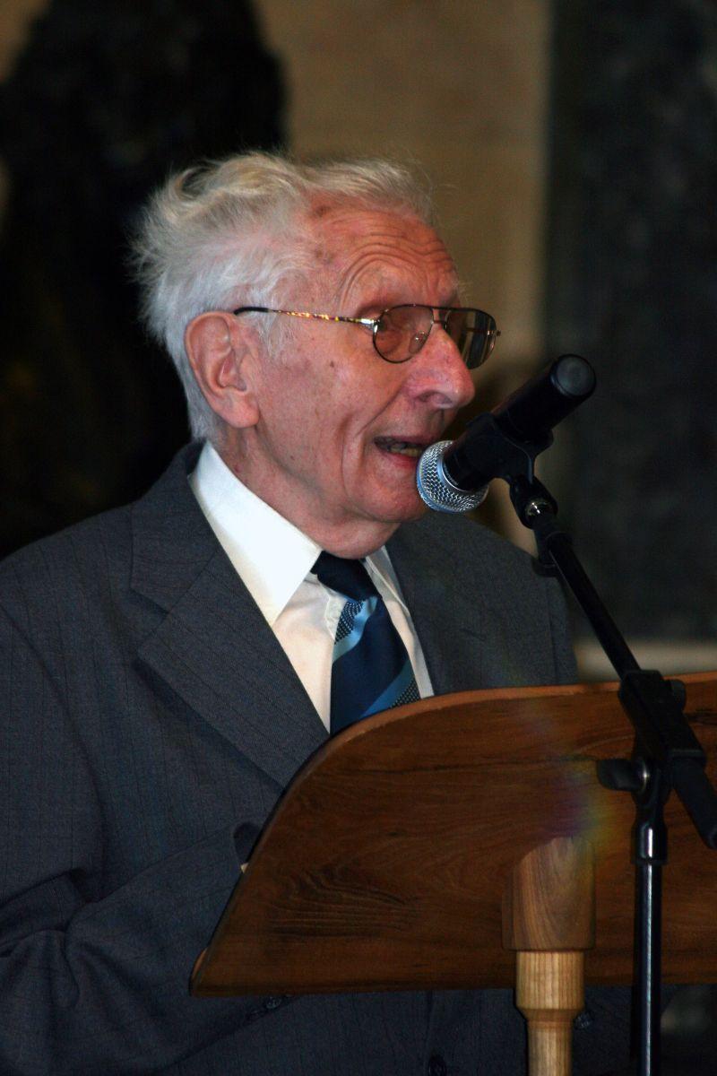 PhDr. Karel Bezděk