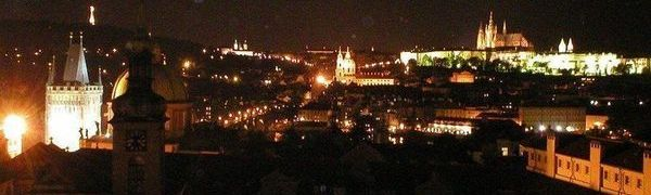 Noční Praha z Astronomické věže