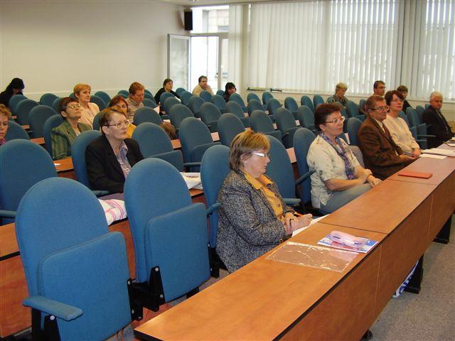 Pohľad na účastníkov (sprava v predu Dr. Šelepec (Prešov), Dr. Sapáková a Doc. Kubíček (Brno), Mgr. Matisková (Zvolen), Dr. Amrichová (Košice), Mgr. Klimková (Košice), Dr. Bínová (Kladno), Dr. Cempírková (České Budějovice) a ďalší)
