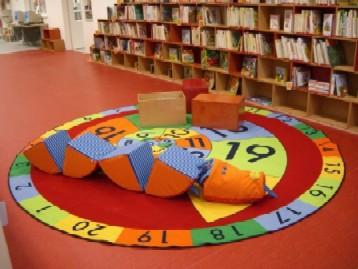 Jeden z kruhů, v jejichž znamení knihovna vznikla, tento v dětském oddělení
