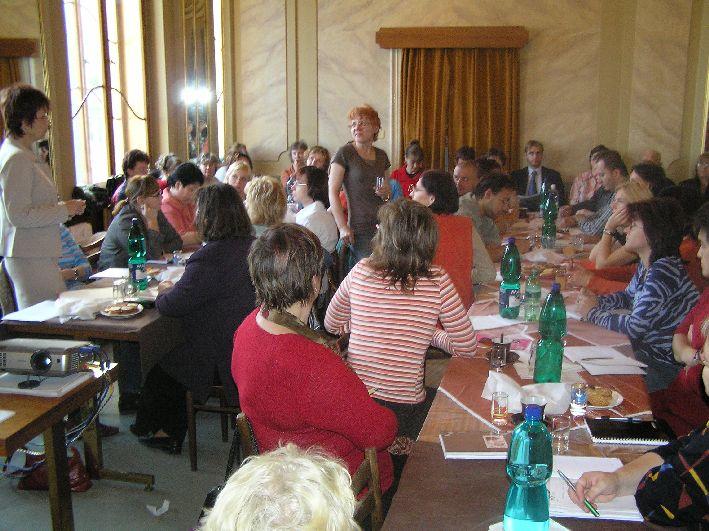 Pohled mezi účastníky semináře
