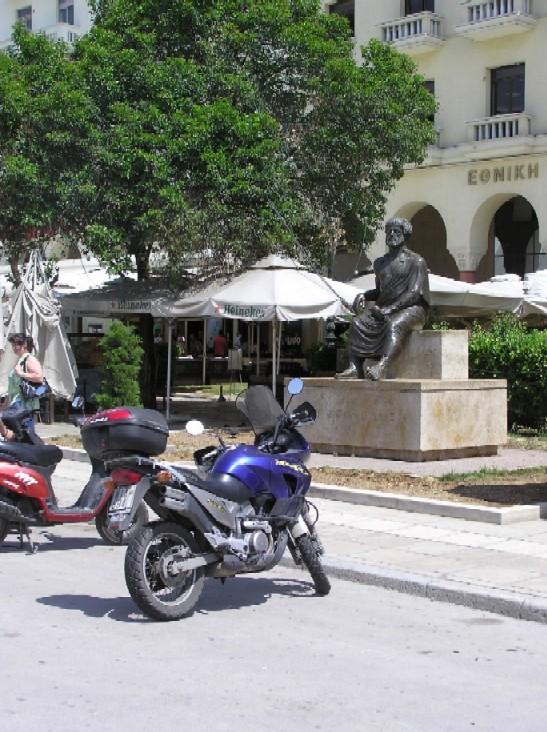 Obr. 14: Hlavní soluňské náměstí (stejně jako místní univerzita) je pojmenováno po Aristotelovi