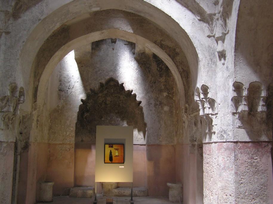 Obr. 4: Z tureckých lázní se stala galerie moderního umění