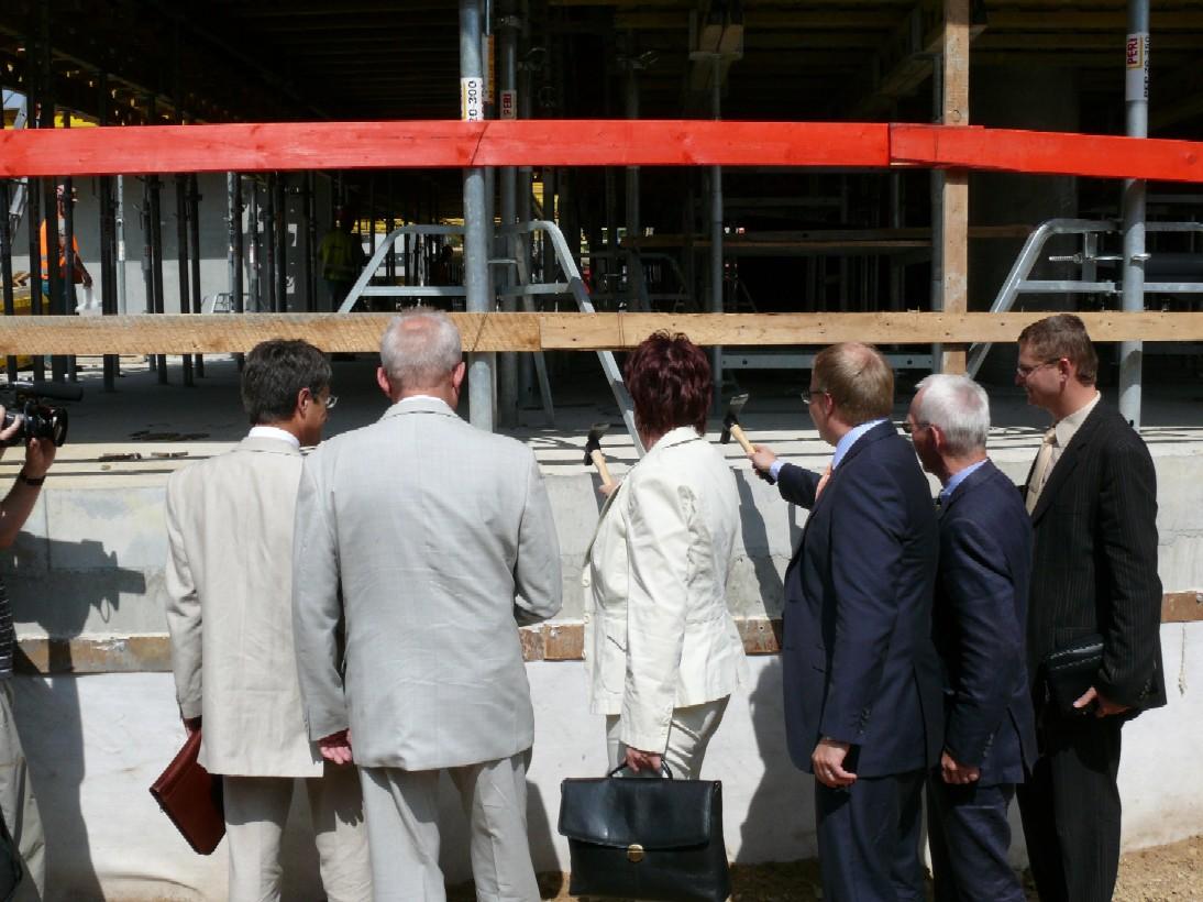 Slavnostní poklepání na stavbu Národní technické knihovny