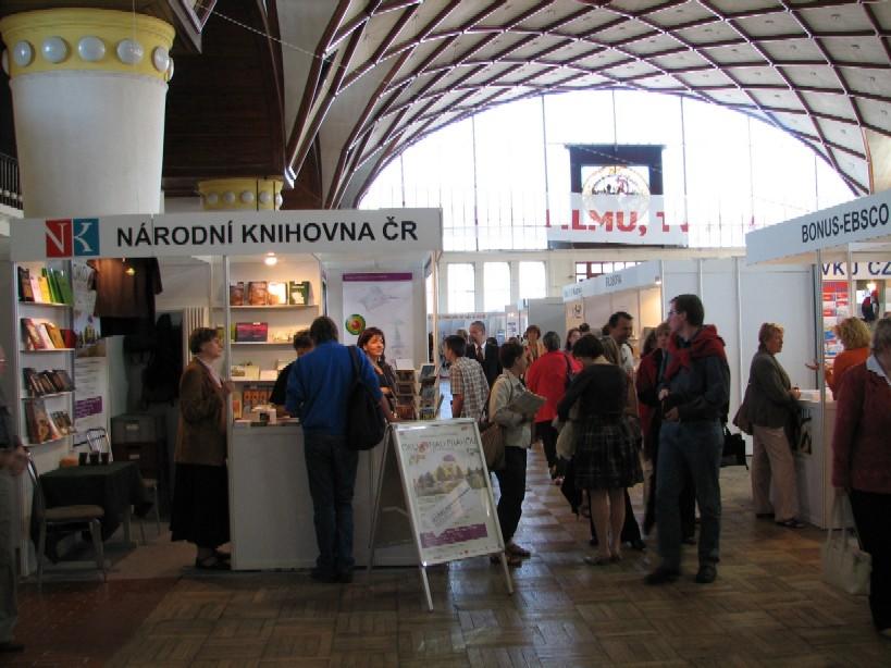 Národní knihovna ČR se zvolna proměňuje v chobotničku