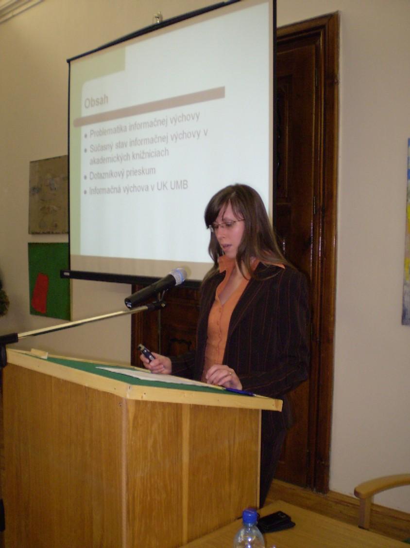 Michaela Mikušová z Univerzitnej knižnice Univerzity Mateja Bela v Banskej Bystrici sa venovala problematike informačnej výchovy