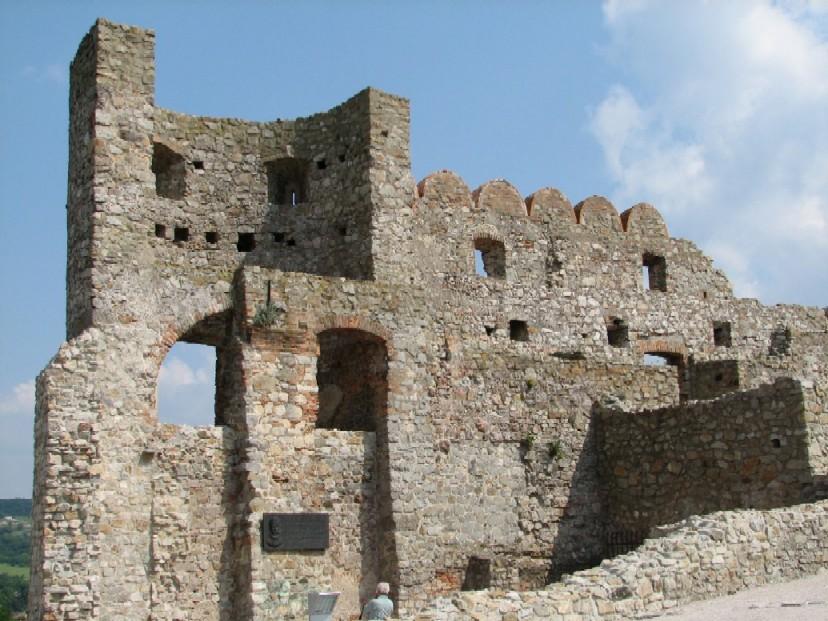Součástí kulturně-společenského programu byl i výlet na hrad Devín…