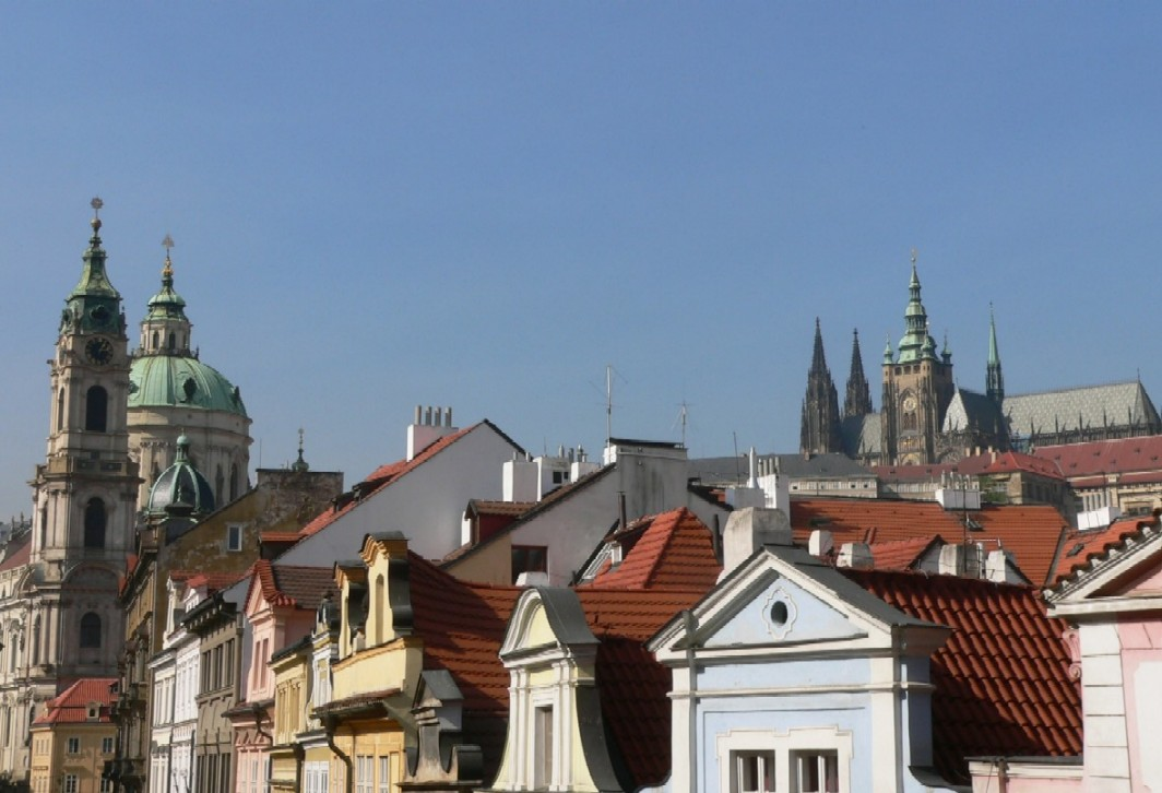 letmý pohled na sousední věže… a také pozdrav těm, kteří čtou zde