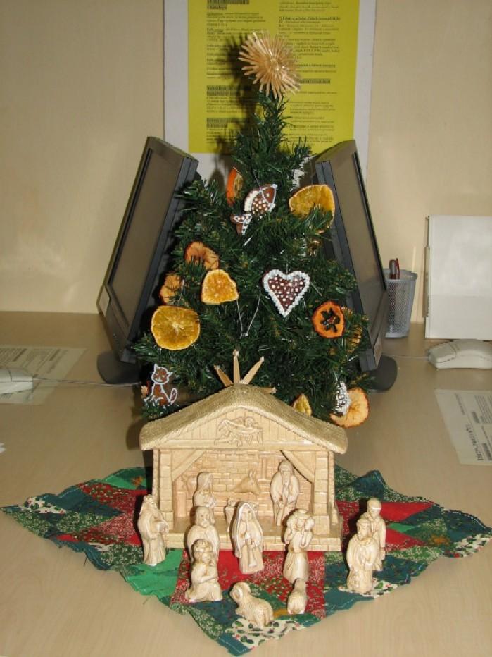 Vánoční výzdoba v knihovně