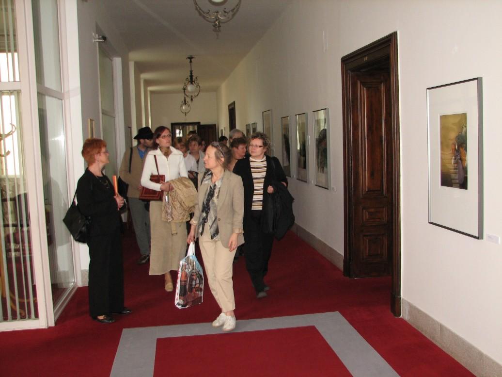 Prohlídka výstavy litografií Vladimíra Suchánka
