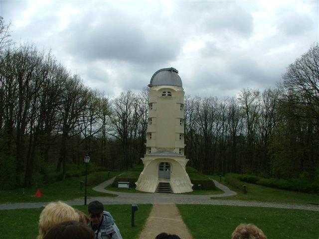 Tzv. Einsteinova věž (arch. Erich Mendelsohn)