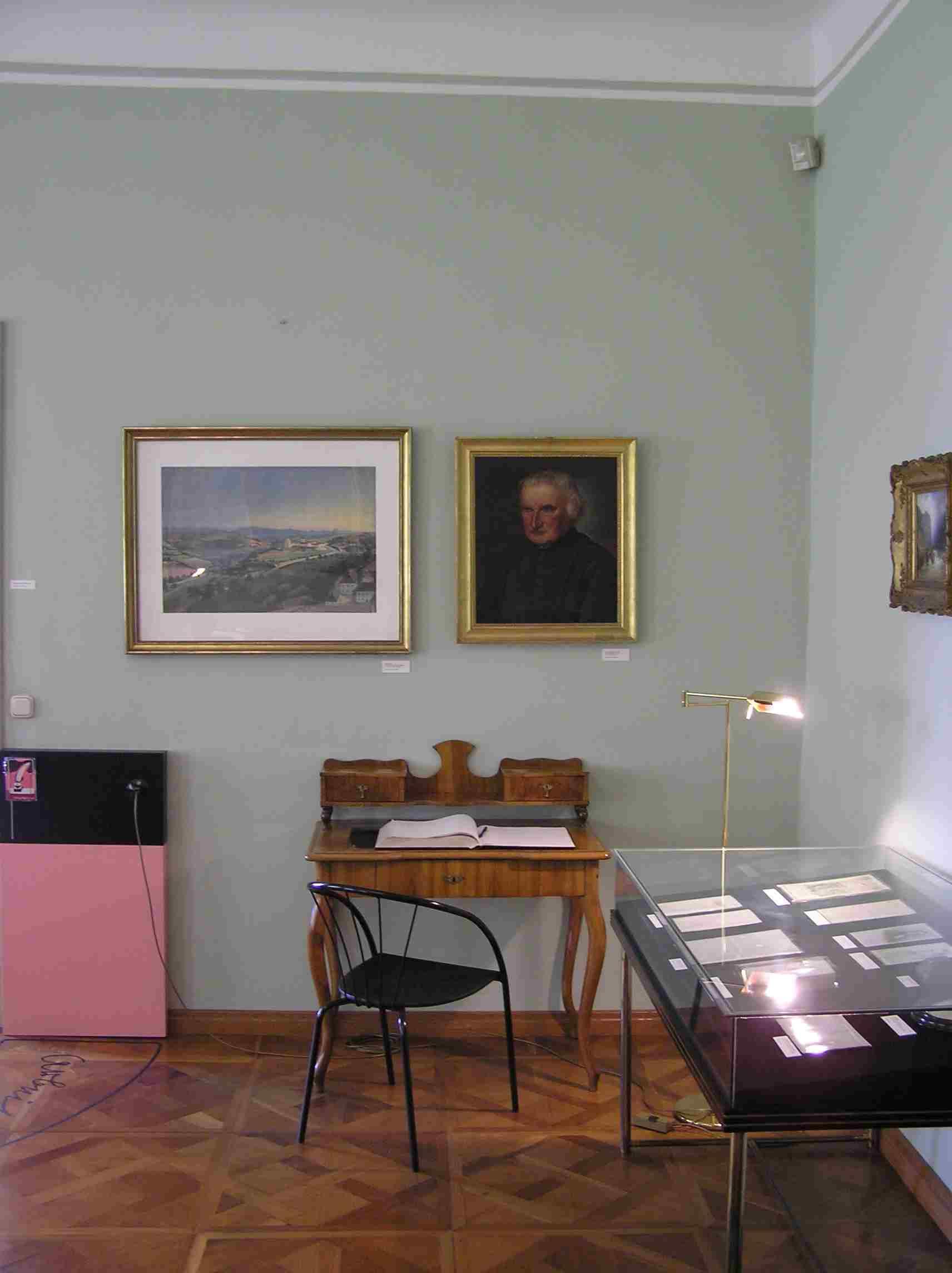 Obr. 12: Ve Stifterově domě je Stifterovi jedna z místností také věnována; k vidění tu jsou třeba obrazy, které sám nakreslil.