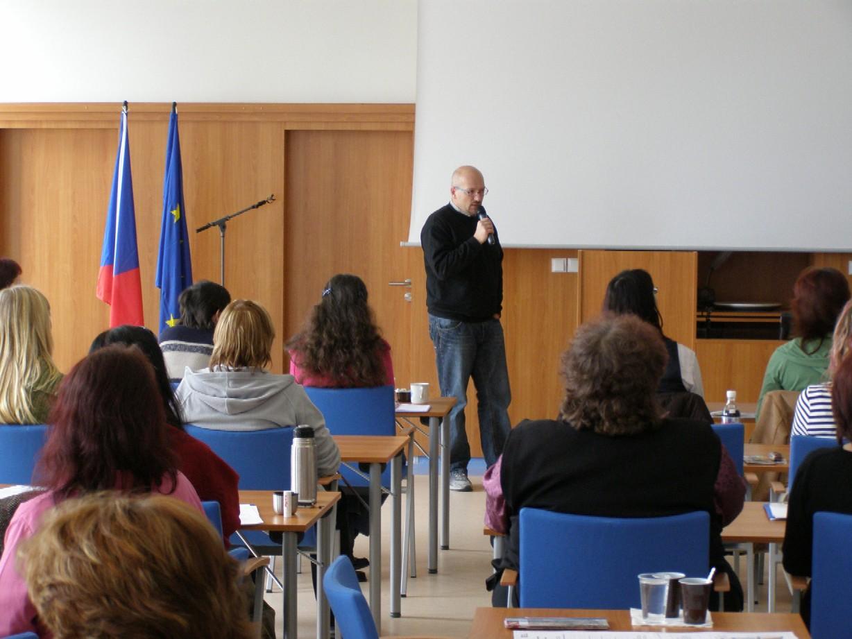 Seminář Referenční a informační služby, lektor PhDr. Hanuš Hemola (Národní knihovna ČR)
