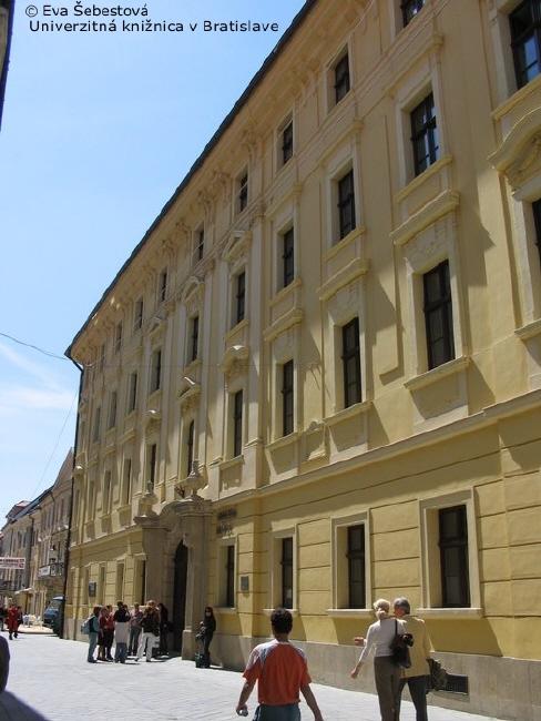 Budova Univerzitní knihovny v Bratislavě; autor fotografie: Eva Šebestová