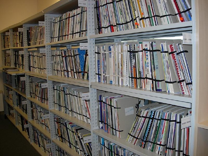 Uložení dokumentů ve studovně; autor fotografie: M. Pazderová