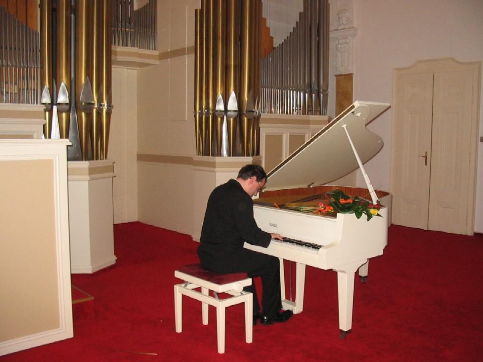 Půjčovna pro dospělé ústředí KMO - koncert Davida Šugárka
