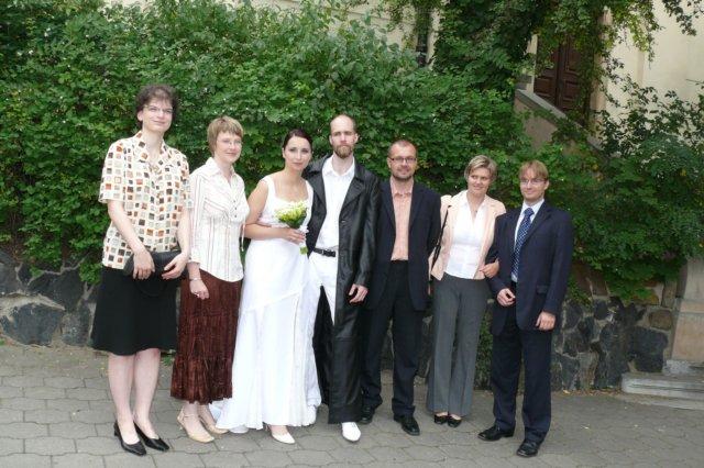 Novomanželům osobně přišla popřát většina členů redakční rady Ikara