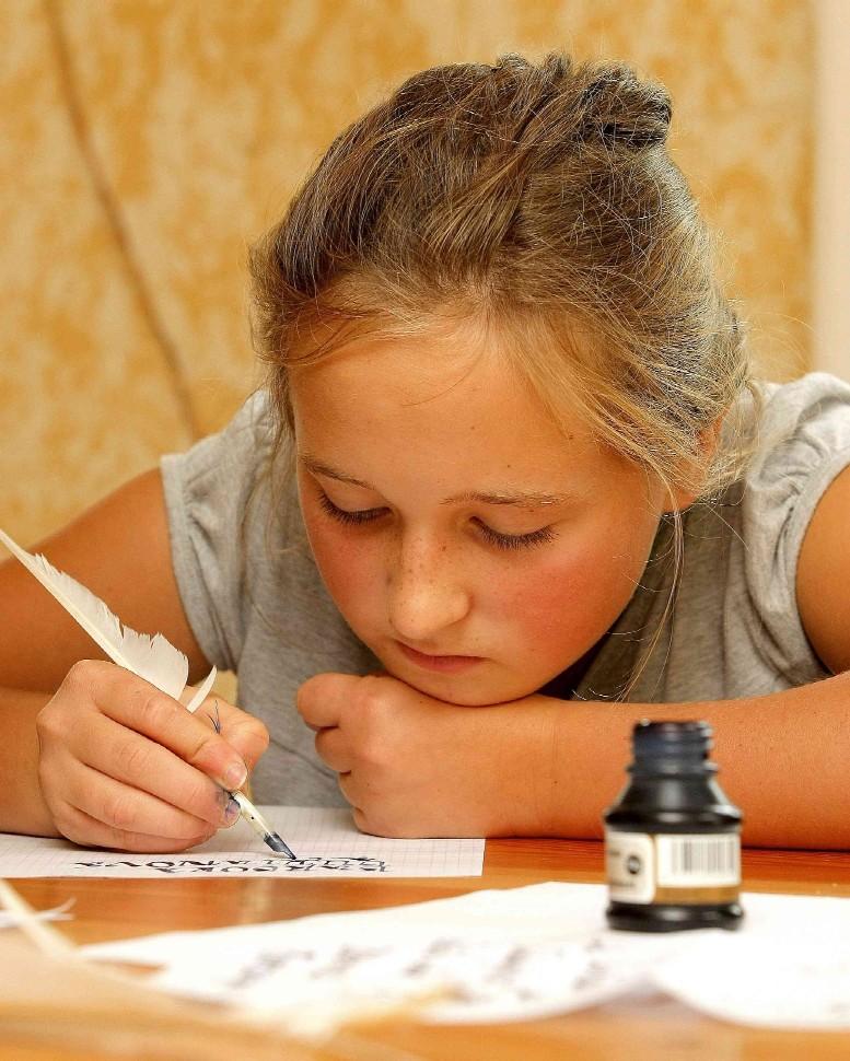 Nejmladší účastnice kurzu při práci