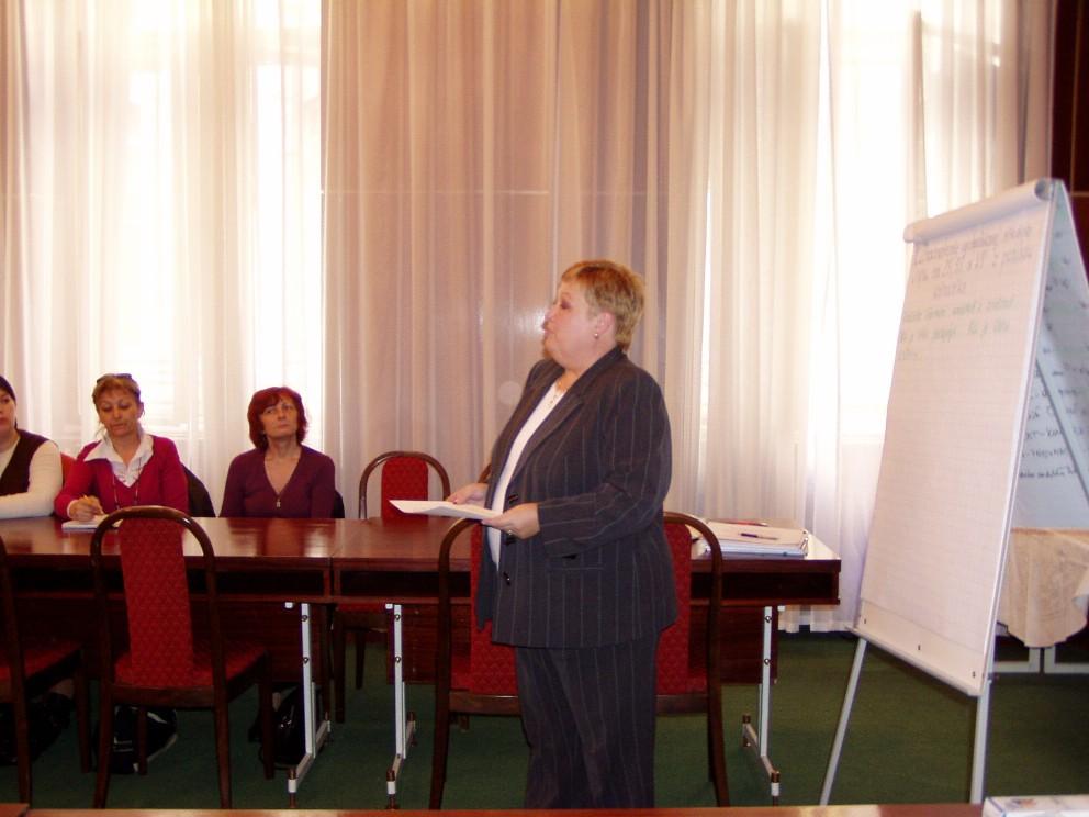 PhDr. Daniela Džuganová moderuje workshop