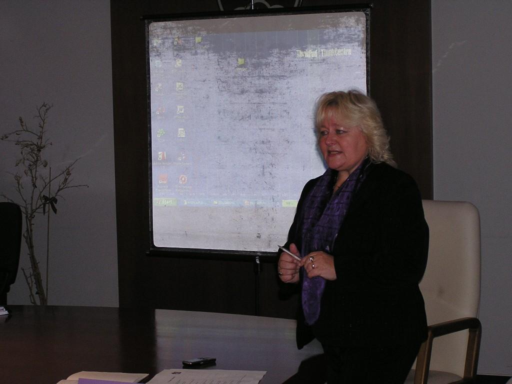 Mgr. Marta Skalková, riaditelka Kniznice P. O. Hviezdoslava, víta účastníkov