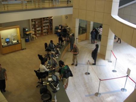 Obr. 2: Městská knihovna v San Franciscu – přízemí