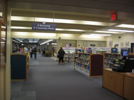 Obr. 7: Městská knihovna v Napa – interiér