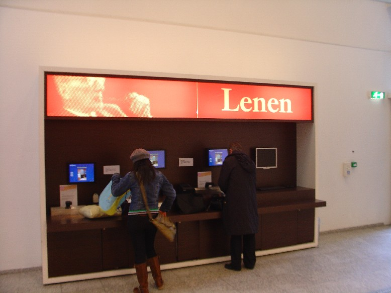 Openbare Bibliotheek Den Haag – automat na vracení knih