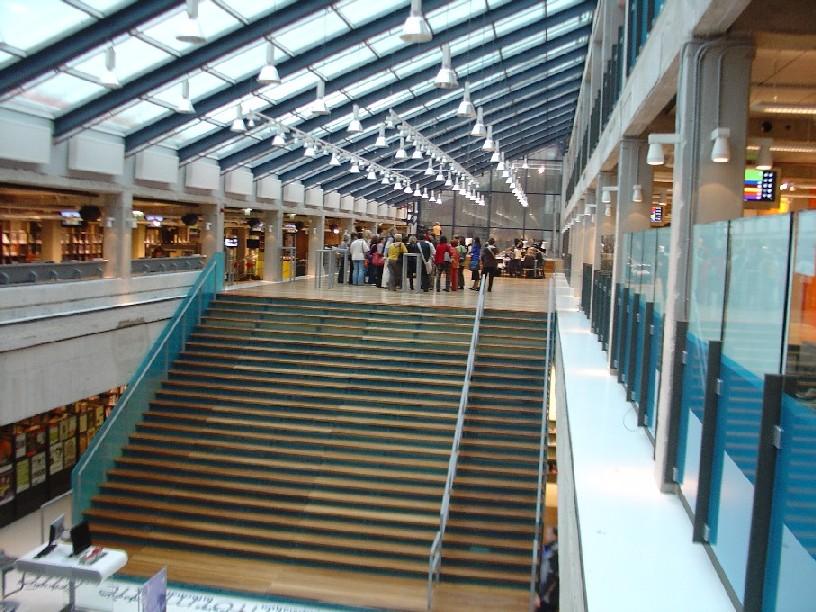 DOK Library Concept Centre Delft – hala