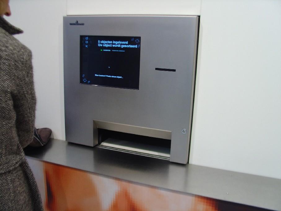 DOK Library Concept Centre Delft – automat na vracení knih