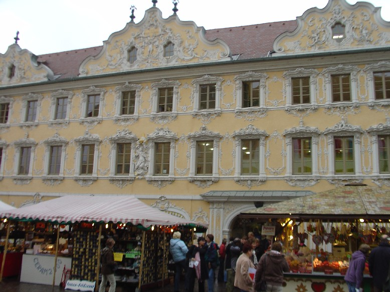 Stadtbücherei Würzburg  - rokoková fasáda