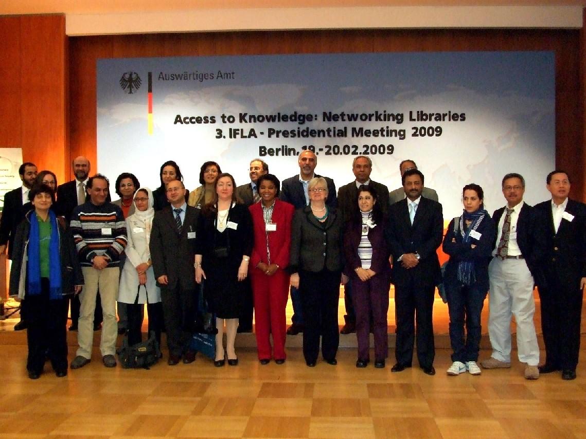 Účastníci studijní cesty po německých knihovnách, která předcházela samotné konferenci