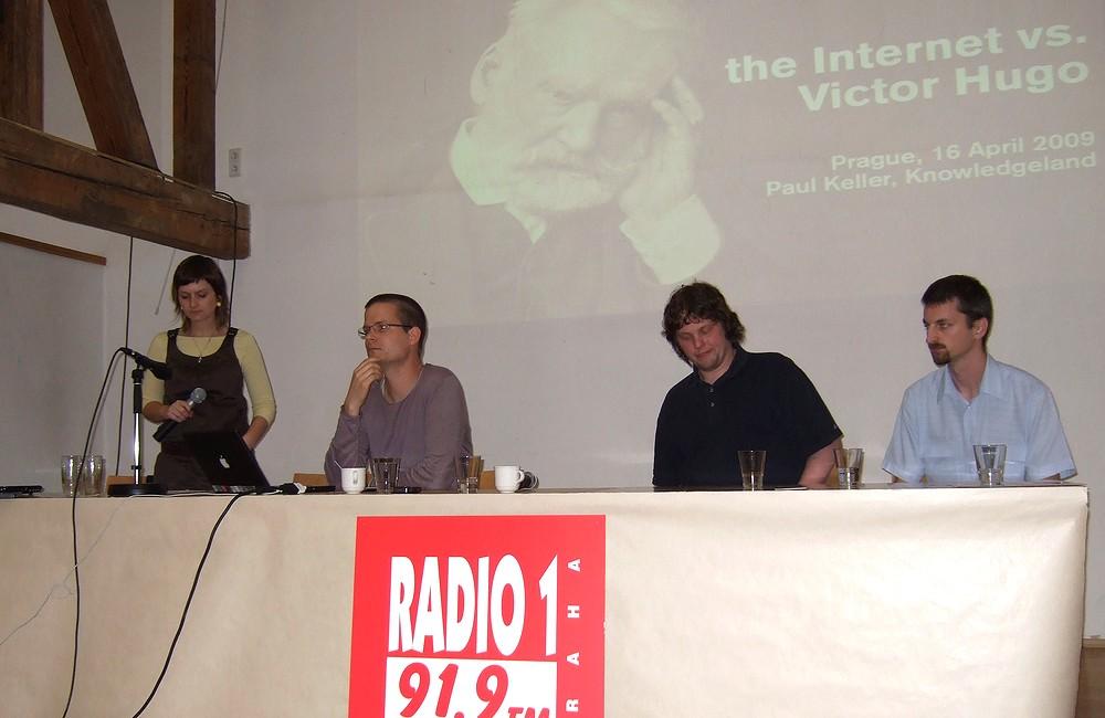 Účastníci panelu o Creative Commons: zleva Paul Keller, Martin Chrk a Petr Kadlec