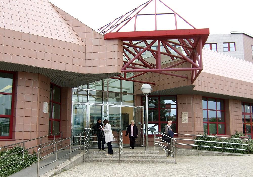 Vchod do Národního archivu, kde se konalo pracovní setkání