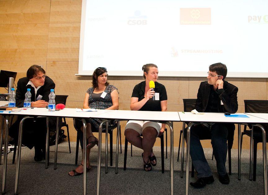 Aktéři panelové diskuse