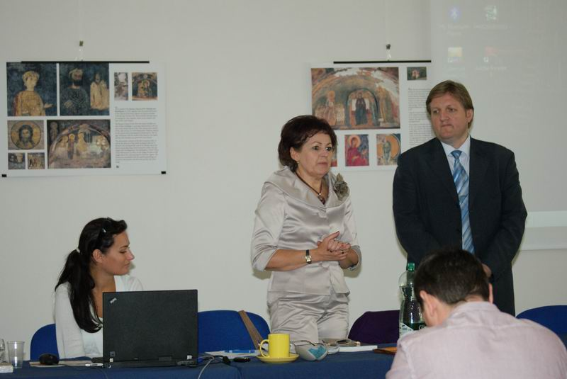 Mgr. Denisa Krajčírová-Hurtová (SNK), PhDr. Anna Kucianová, Ing. Peter Haľko - záver podujatia DVK 2009 - 9. 9. 2009