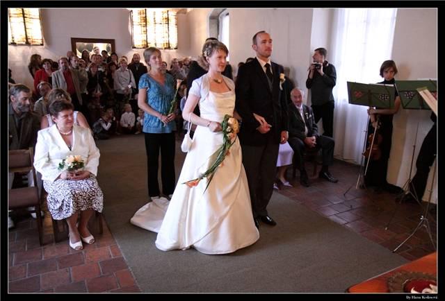 Nevěsta a ženich před tím, než vyřkli své