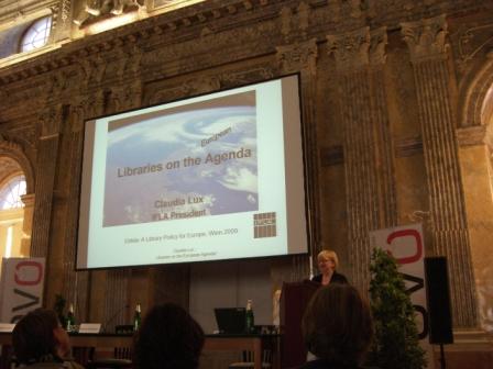 C. Lux, ještě jako prezidentka IFLA