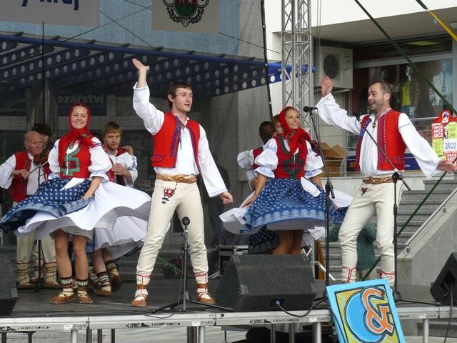 Jasénka a tanečníci